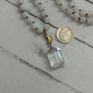 Jewelry - White agate boho style necklace